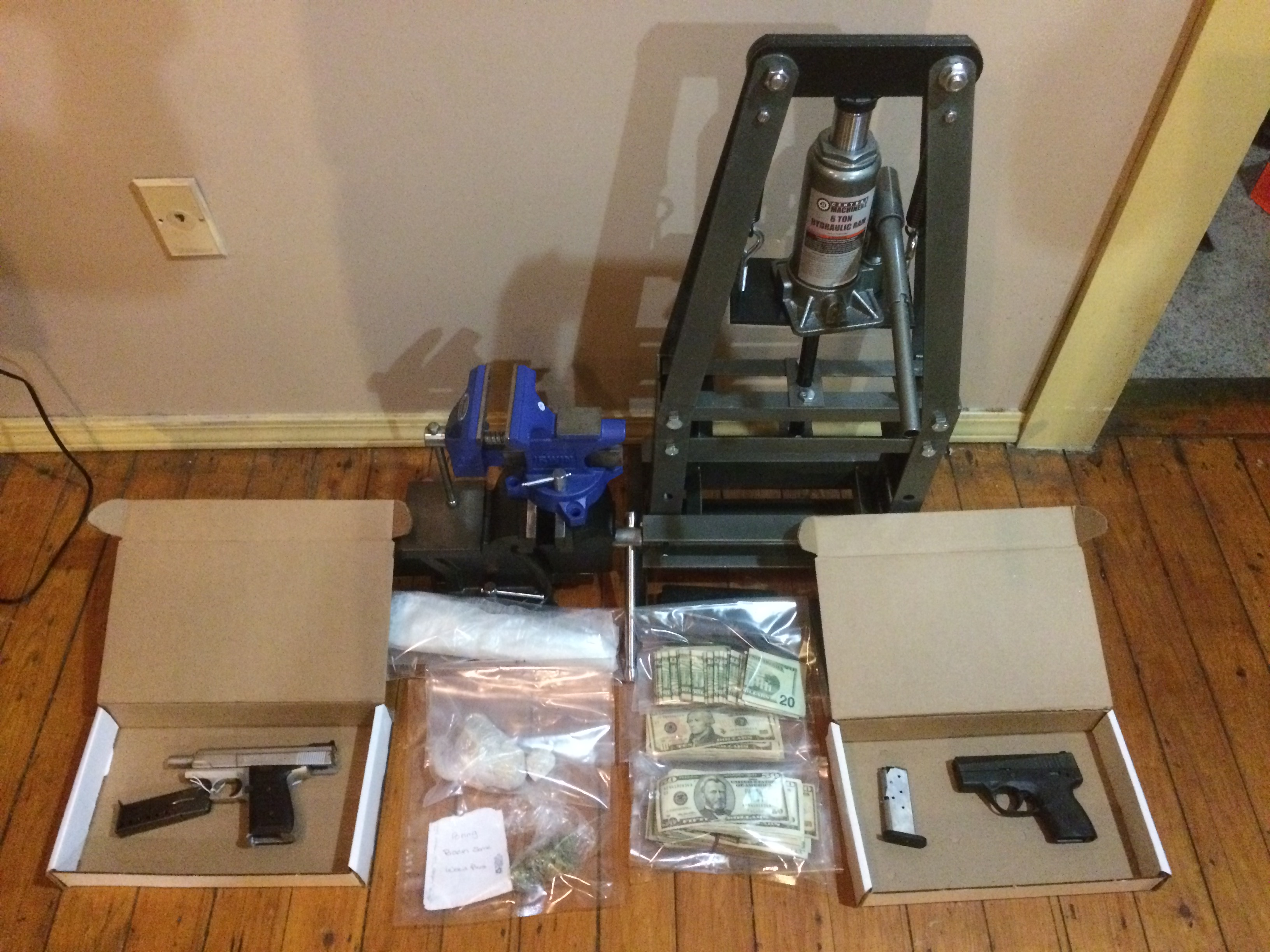 Drugs and Hand Guns Seized in New London Bust | SNSN Online